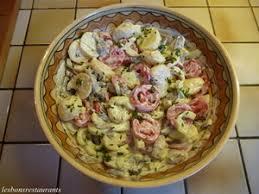 cuisiner cepes frais salade de pommes de terre aux chignons frais recette iterroir