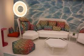 Modern Outdoor Dining Set by Spruce Up Your Backyard With Modern Outdoor Furniture