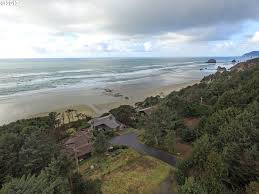 listing picture windows ln 3 cannon beach or mls 17378957