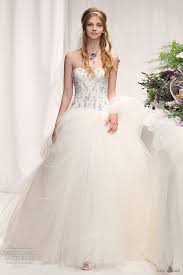 turmec bridal hairstyles for a strapless dress
