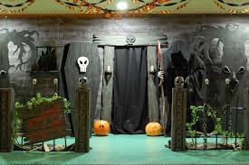 halloween casket haunted house entrance a good website on diy halloween facades