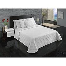 What Is A Bedding Coverlet - amazon com courtyard by marriott hotel rippled coverlet king
