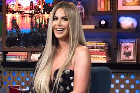 does mj from shas wear a wig photo kim zolciak wears no makeup and no wig in new picture
