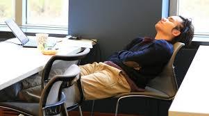 sieste au bureau pourquoi et comment faire une sieste au bureau