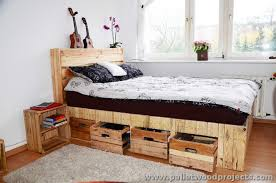 Making A Pallet Bed Pallet Bed With Storage Plans Pallet Wood Projects