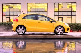 nissan versa vs kia rio 2016 kia rio sedan and hatchback refreshed for chicago show
