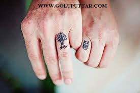 amazing cute tattoo for couples on finger goluputtar com