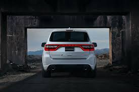 how much can the 2018 dodge durango srt tow and haul