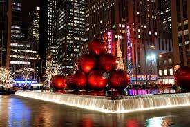 8 reasons why christmas in new york is way better than it looks in