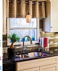 modele rideau de cuisine modele rideau cuisine ides pour habiller les fentres trucs et