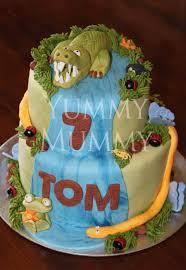 crocodile cake bugs yummy mummy