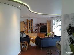 Wohnzimmer Beleuchtung Beispiele Wohnzimmerdecke Renovieren Plameco Spanndecken Ihre Neue T