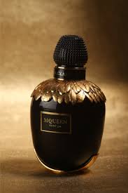 Parfum Fox mcqueen launches a fragrance house new scent after 13 years wwd