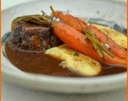 cuisiner de la joue de boeuf recette joue de boeuf braisé au vin et carottes 750g