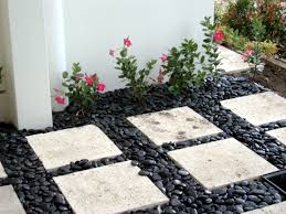 26 fabulous garden decorating ideas with rocks and stones 26