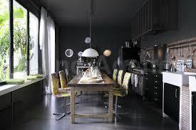 mur noir cuisine cuisine mur noir cool carrelage noir et blanc vous with credence