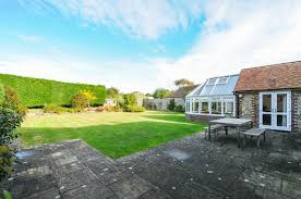 holiday lettings west wittering trilby cottage baileys estate
