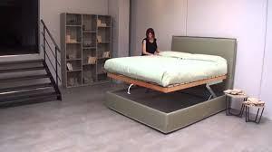 materasso comodo letto contenitore con movimento orizzontale comodo per rifacimento