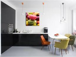 toile deco cuisine tableau macaron pas cher déco cuisine en toile plexi et alu