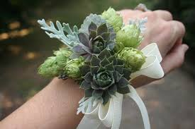 prom corsage ideas here s what s trending when it comes to prom corsage ideas