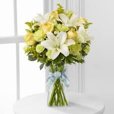 White Roses In A Vase Illinois Florist Fabbrinis U0027 Flowers White Lillies And Yellow