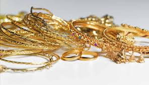 no seizure of gold jewellery to extent of 500 gms per married