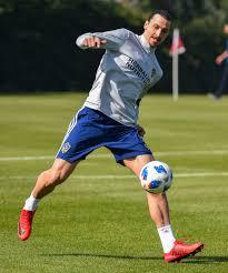 Zlatan Ibrahimovic Zlatan Ibrahimovic Can Finally Call The Galaxy Home Daily News