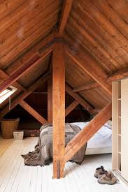 Low Ceiling Attic Bedroom Ideas Best 25 Attic Bedrooms Ideas On Pinterest Loft Storage Small