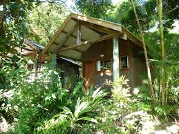 cooktown accommodation mungumby lodge bungalow style