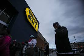 thanksgiving sales 2014 21 pictures of black friday shopping around the world