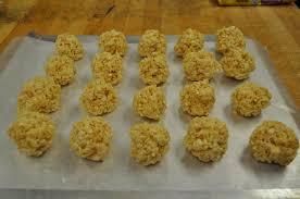 thanksgiving rice krispies turkey pop treats