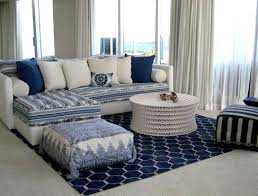 salon canapé marocain idées déco pour votre salon marocain le bleu à l honneur