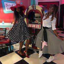 serena williams u0027 u002750s baby shower celebs in cheap u0026 comfy shoes