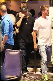 leonardo dicaprio hangs out in vegas before the big fight photo