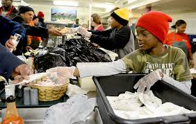 thanksgiving volunteer opportunities how to help give back in