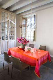 jacquard francais parfums de bagatelle table linens