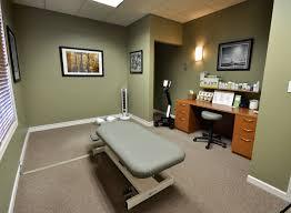 rochester chiropractor dr matt suntken u0027s treatment room at