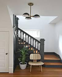 escalier peint 2 couleurs 20 inspirations déco pour l u0027escalier marches en bois gris