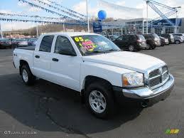 2005 bright white dodge dakota slt quad cab 4x4 61344100
