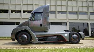 electric truck cummins beats tesla by unveiling first electric truck