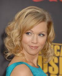 hairstyles popular 2012 medium length wavy hairstyles for blonde