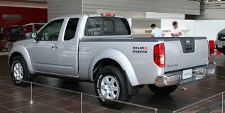 nissan pickup 2013 file nissan frontier nismo king cab rear jpg wikimedia commons