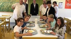 cuisine centrale elior elior se décarcasse pour régaler les écoliers