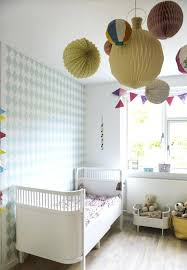 tapisserie chambre enfant formidable papier peint chambre bebe