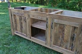 Diy Rustic Bathroom Vanity Best Diy Rustic Pallet Vanity Paneled Doors Pallet Furniture Plans