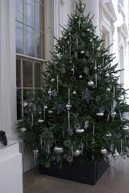 white house christmas tree on the north front michelle obama