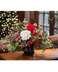 delight family and friends with this lifelike holiday centerpiece
