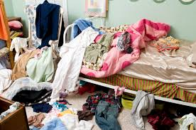 10 thoughts you have when you are cleaning your room