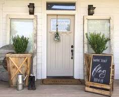 Outside Entryway Decor 15 Beautiful Farmhouse Front Doors Farmhouse Front Front Doors