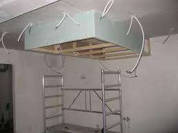 installation de la hotte de cuisine attrayant installation d une hotte de cuisine 6 faux plafond de